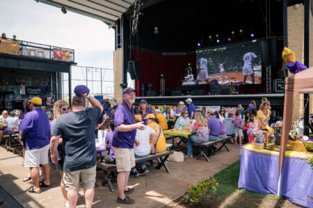 Lsu-alumni-dallas-crawfish-boil-lane-digital-3